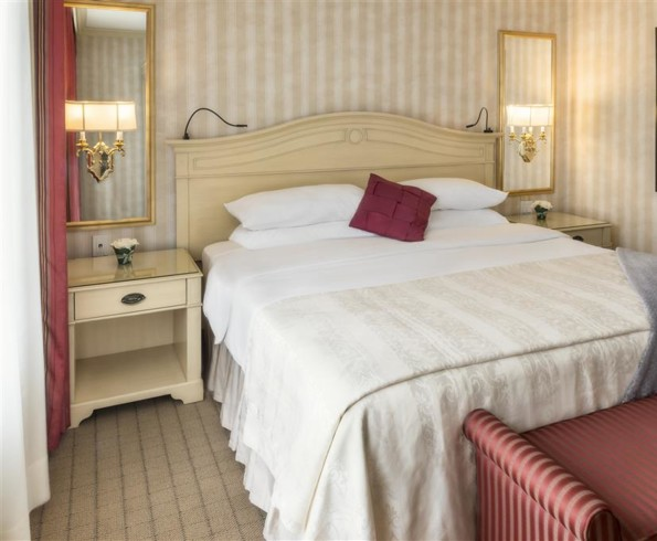 Chateau vaudreuil hotel and suites